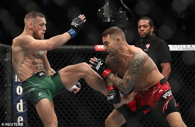 Estimado: Connor se rompió la pierna mientras lanzaba una patada que aterrizó en el codo de Poirier más tarde en el primer asalto.