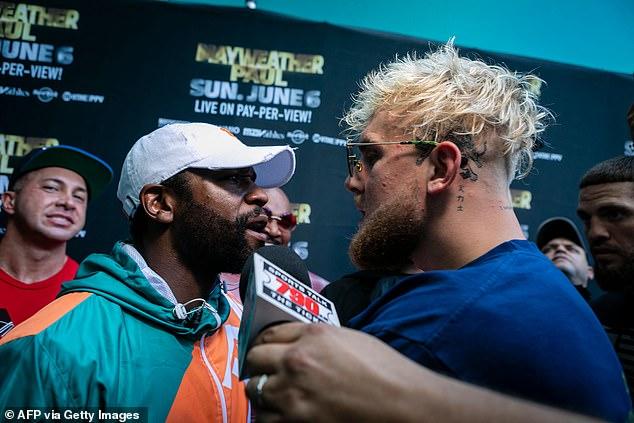 Mayweather se enfrentó a Jake Paul durante una acalorada conferencia de prensa previa a la pelea