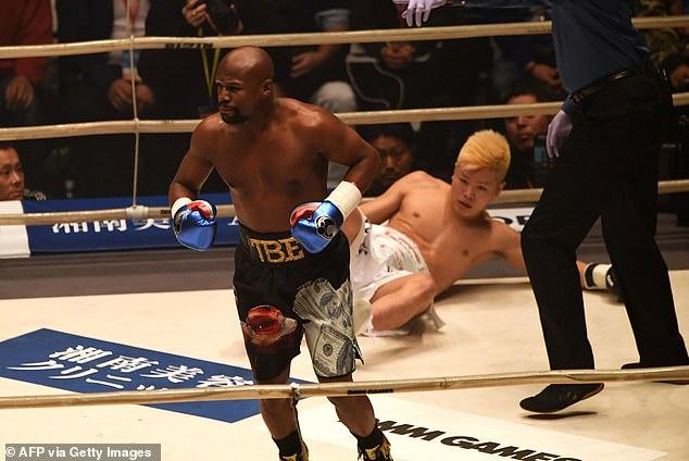 Mayweather detuvo a Tenshin Nasukawa en una ronda en su exhibición anterior en 2018