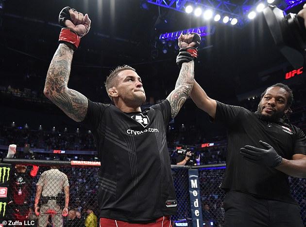 Boxeador ganador: Dustin Poirier derrota a McGregor en una batalla de trilogía después de que el