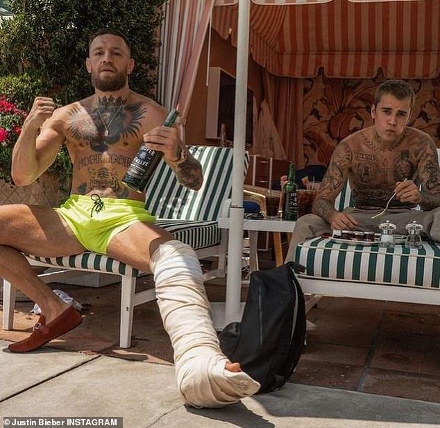McGregor se está relajando en los Estados Unidos con Justin Bieber, pero no se ha lesionado para debilitar su mente.