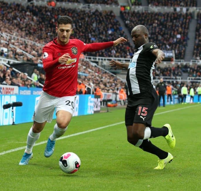 El AC Milan volverá por Diogo Dalot del Manchester United