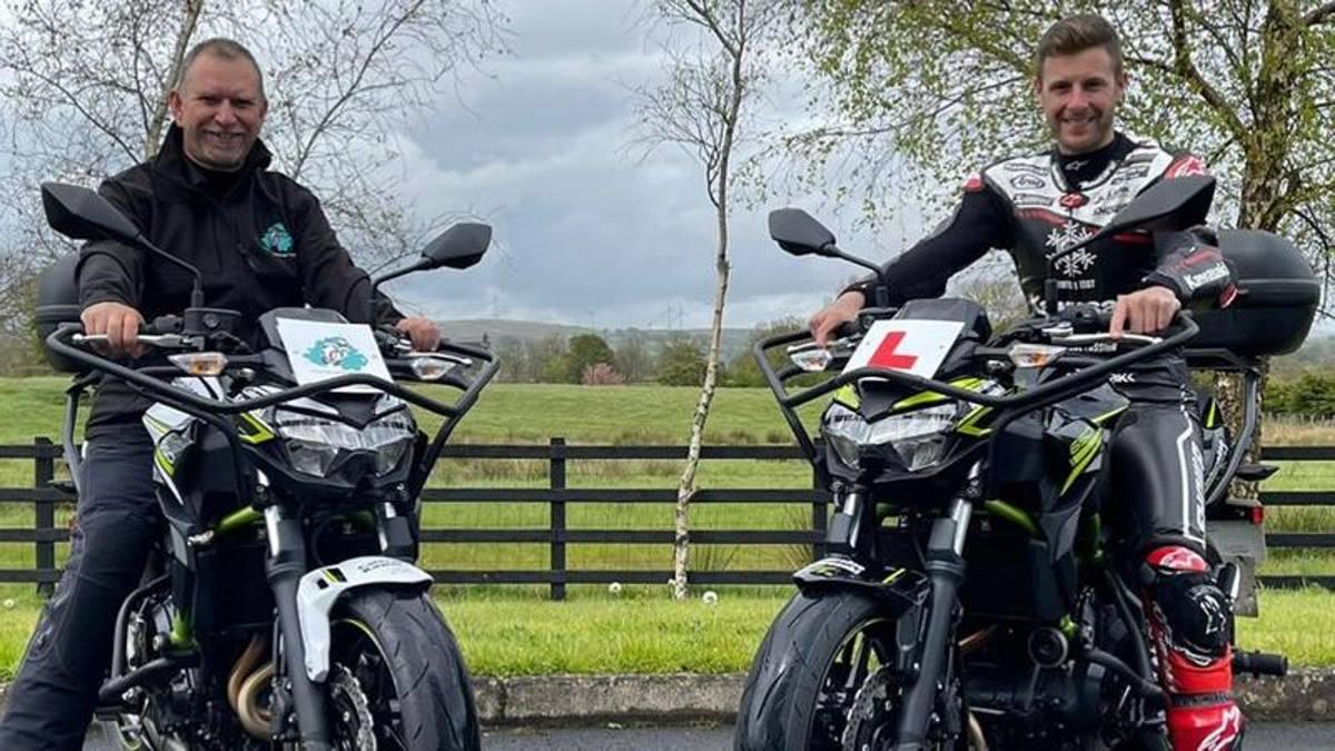 Rea, misión cumplida: por fin tiene licencia de motociclista