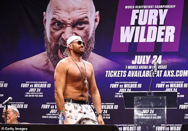 La carrera de Tyson Fury todavía está en pausa, y su pelea con Deontay Wilder se pospuso hasta octubre.