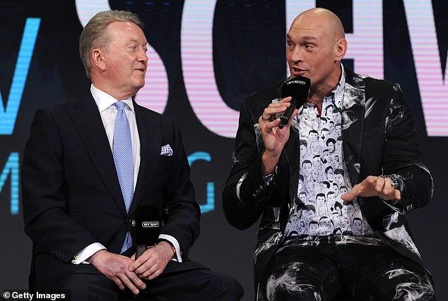 Frank Warren (izquierda) ha revelado que Tyson Fury (derecha) está 'realmente frustrado' después de que se pospusiera su pelea contra Deontay Wilder