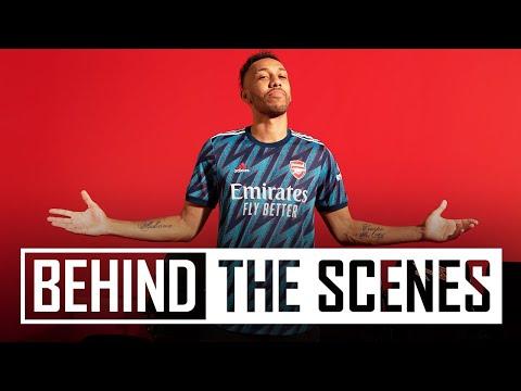Detrás de cámaras en la sesión de fotos de la equipación adidas x Arsenal 2021/22