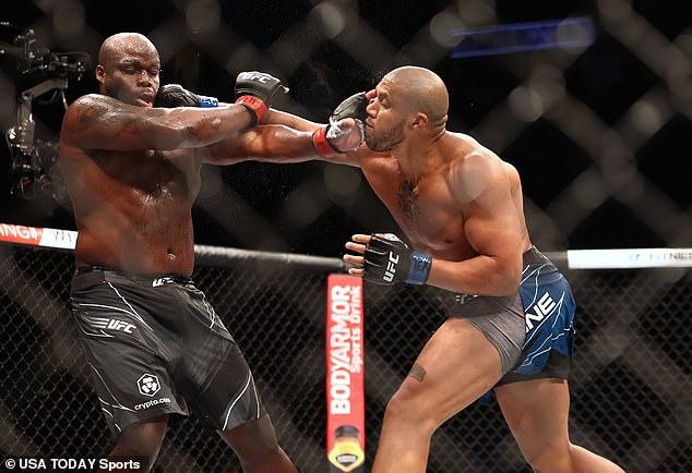 Gane detuvo a Derrick Lewis (izquierda) con una actuación impresionante en UFC 265