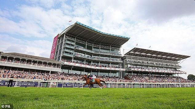 La victoria del viernes en York llevó las ganancias de la carrera de Stradivarius a más de € 3 millones