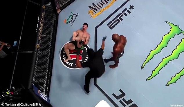 Bukauskas se enfrenta ahora al futuro incierto de las MMA. Utiliza resonancias magnéticas para determinar su destino.