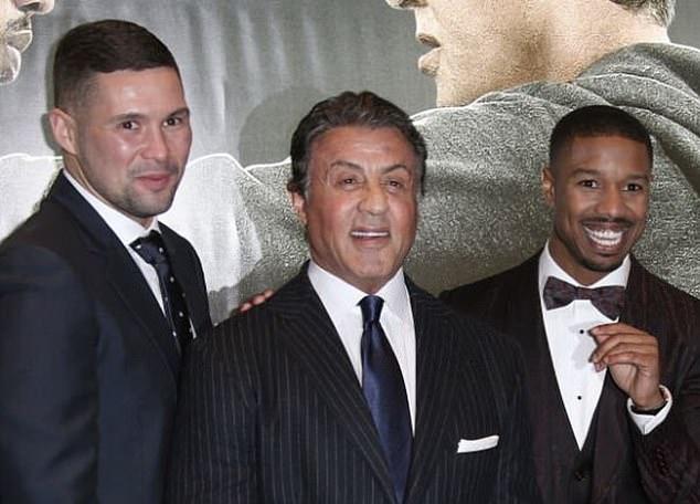 Ya ha entrado en el giro de Hollywood después de protagonizar el éxito de taquilla Creed de 2015, junto a Sylvester Stallone (centro) y Michael B. Jordan (derecha).