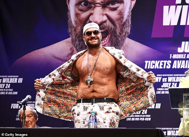 El promotor de Tyson Fury, Frank Warren, admitió que una pelea con David Haye sería 'enorme'