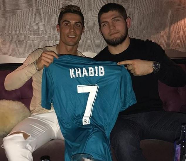La amistad del jugador de 33 años con Ronaldo continúa los días del astro portugués en el Real Madrid