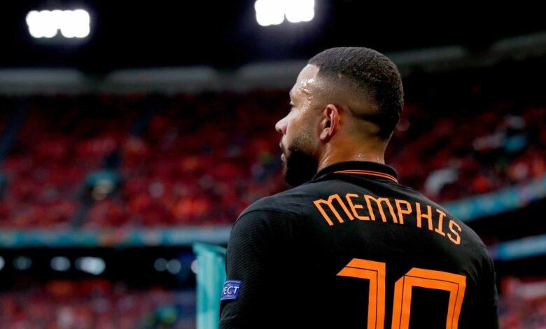 Memphis Depay hace historia en Holanda cuando los fanáticos del Barça destacan la estadística de Benzema