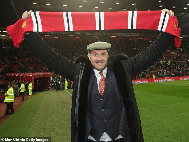 Fury es un seguidor del United y ha sido visto en Old Trafford apoyando a los Red Devils.