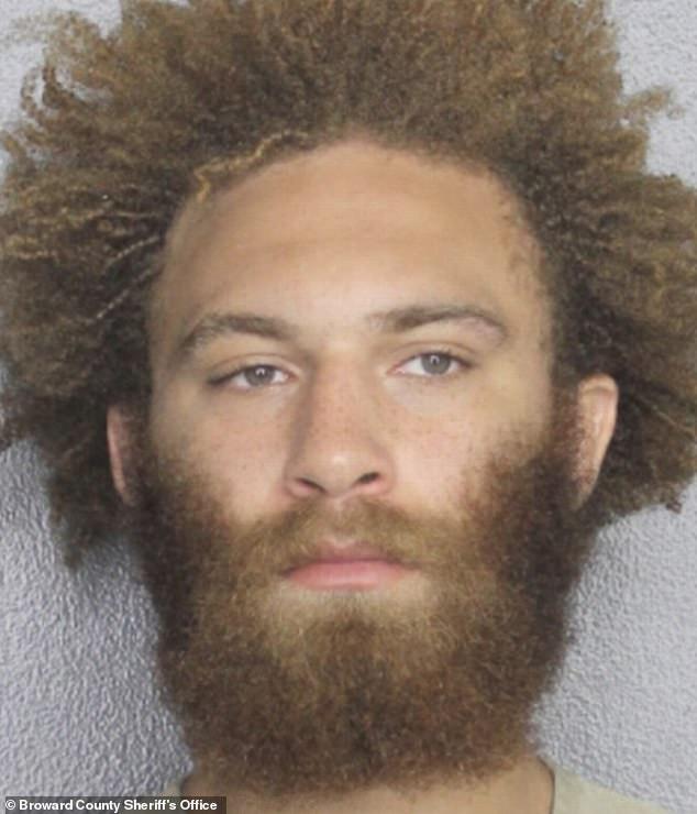 Luchador ligero de UFC Luis Peña arrestado el fin de semana pasado en Florida por golpear a una mujer con el puño cerrado