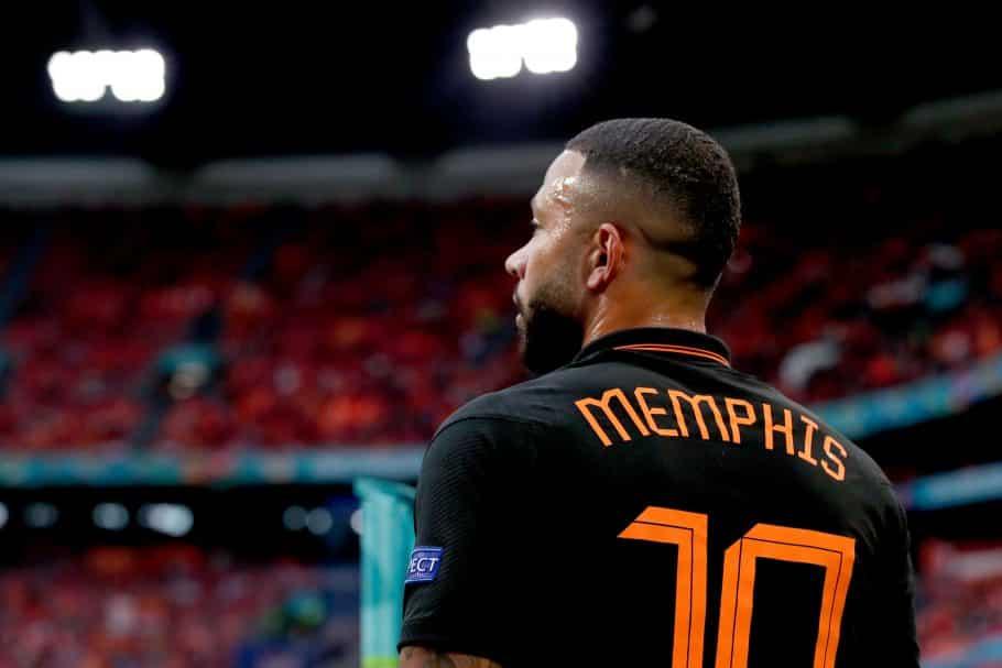 Los seguidores del Barcelona destacan la comparación de Benzema después de que Memphis Depay rompiera el récord internacional holandés